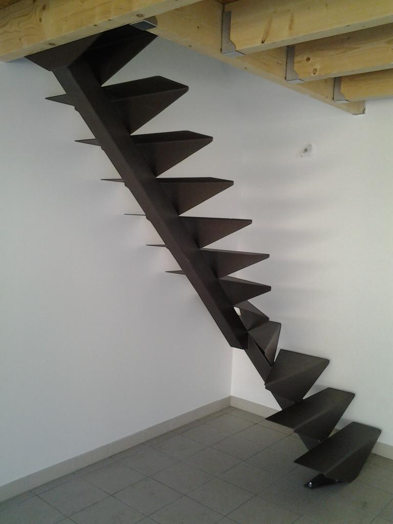 Escalier 1/4 tournant sans poteau intermédiaire