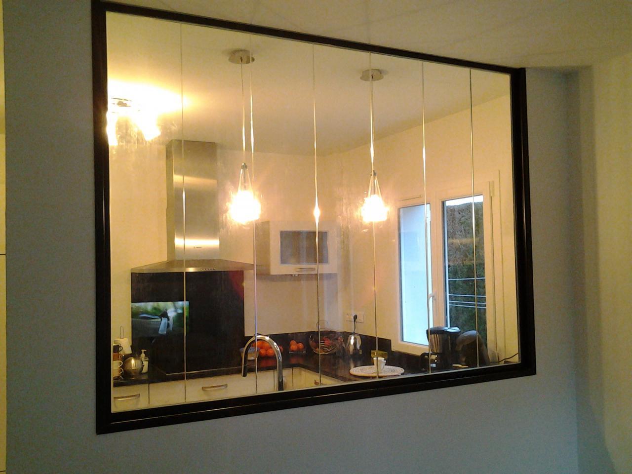 Cloison vitrée entre deux pièces