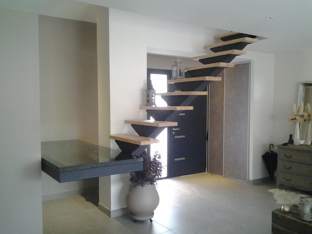 escalier flottant. Black Bedroom Furniture Sets. Home Design Ideas