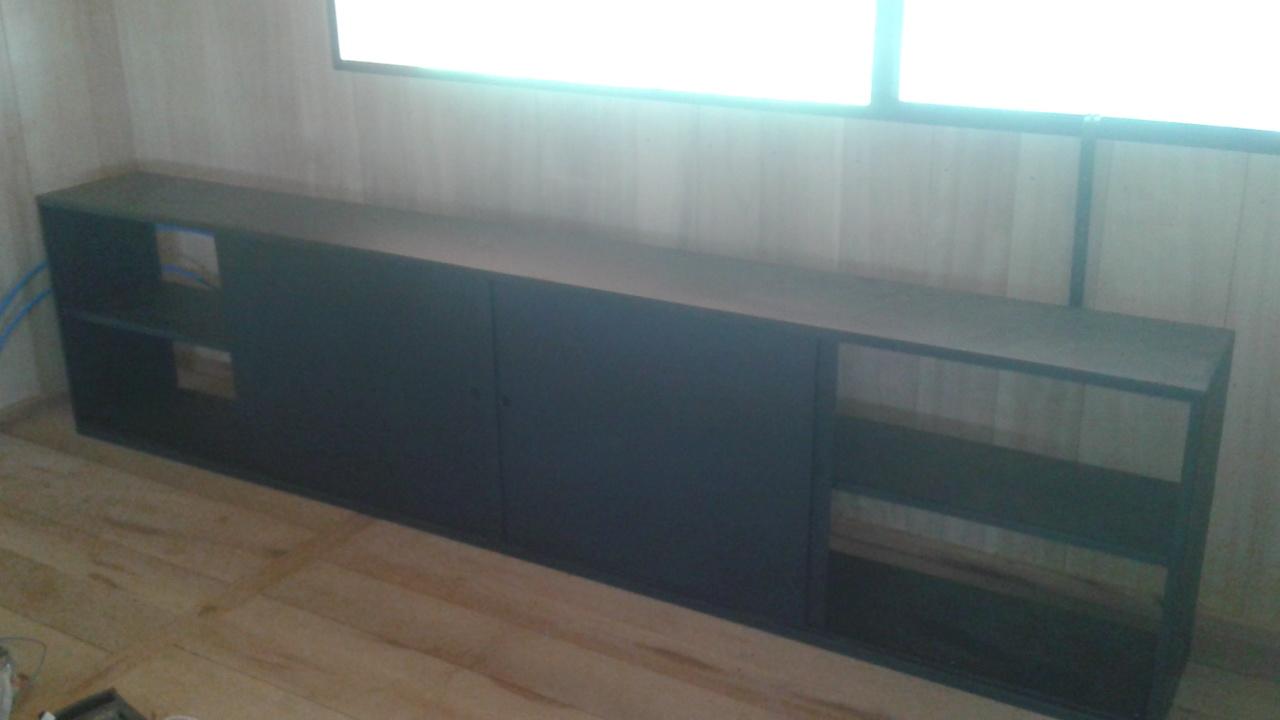 Meuble en acier thermolaqué RAL 7016 avec portes coulissantes
