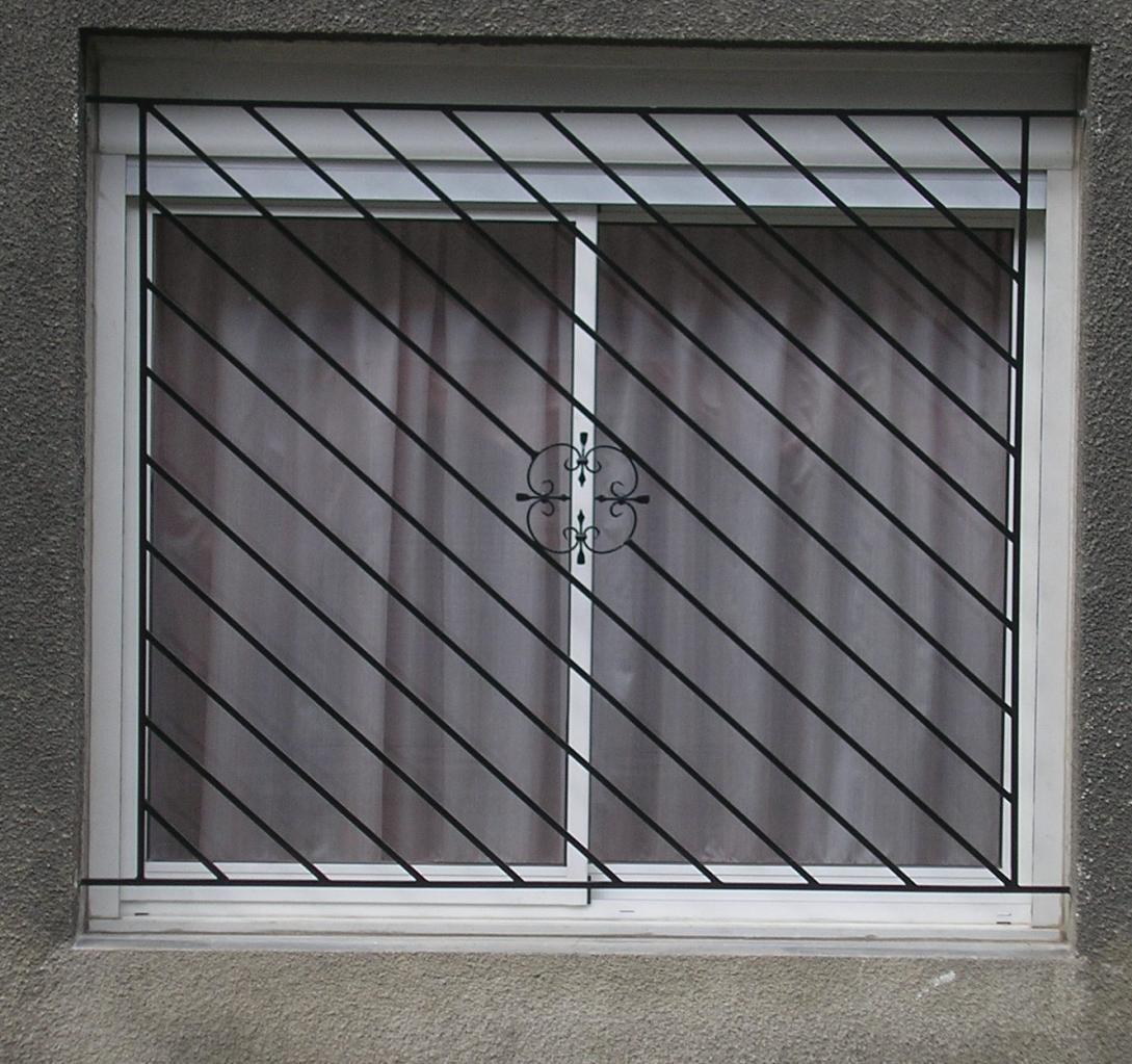 grille barreaux diagonale