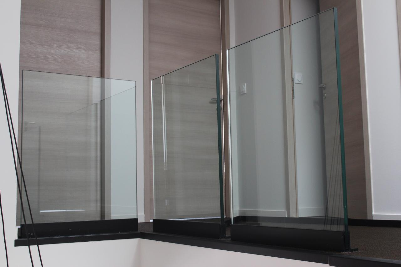 Garde-corps feuilles de verre