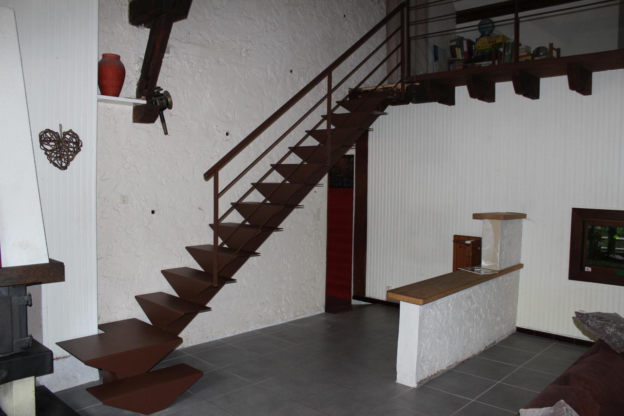 Escalier 1/4 tournant couleur rouille