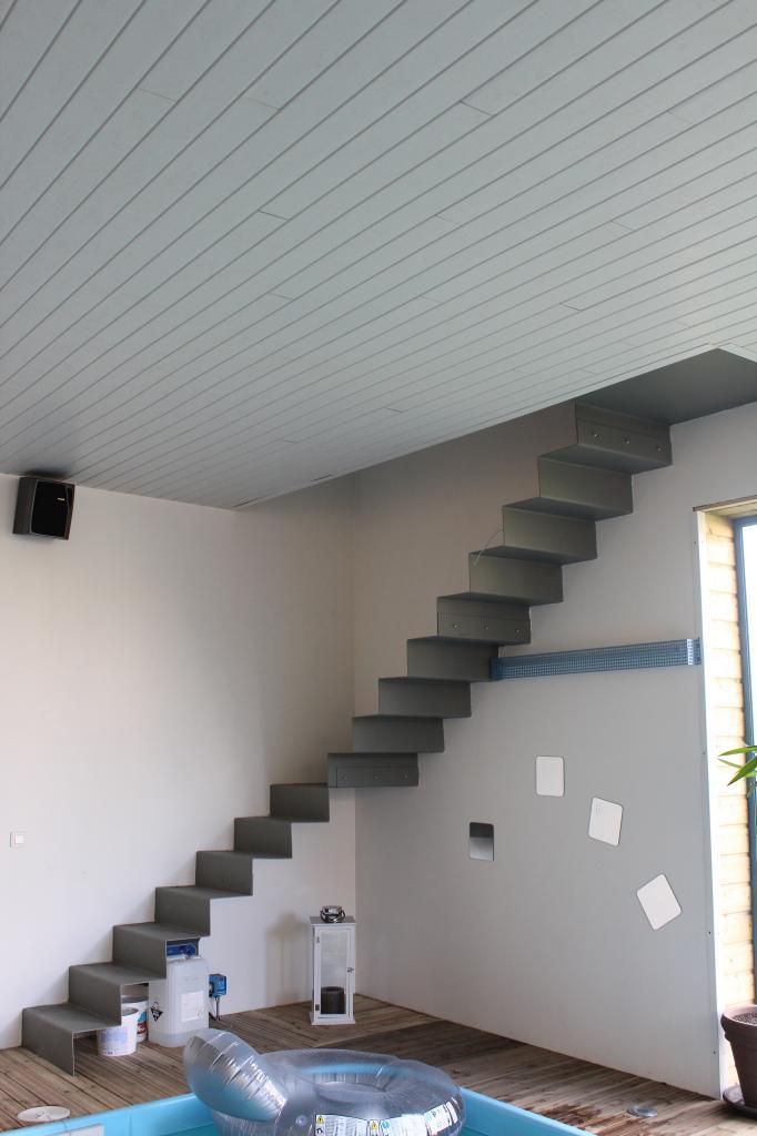 Escalier sans poteau et sans fixations apparentes