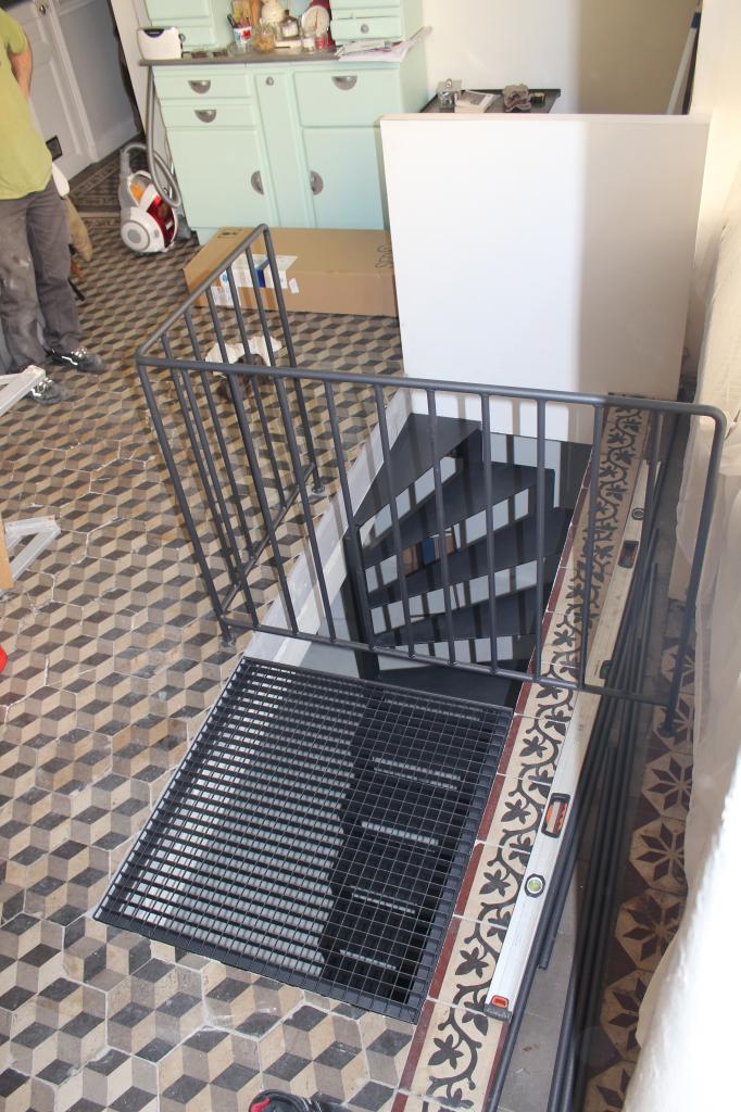 Escalier avec caillebotis